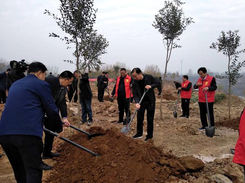 湛河区四大班子领导参加冬季义务植树活动3.jpg