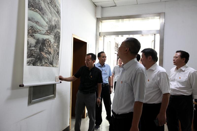 湛河区举办庆祝新中国成立70周年书画摄影展3.jpg
