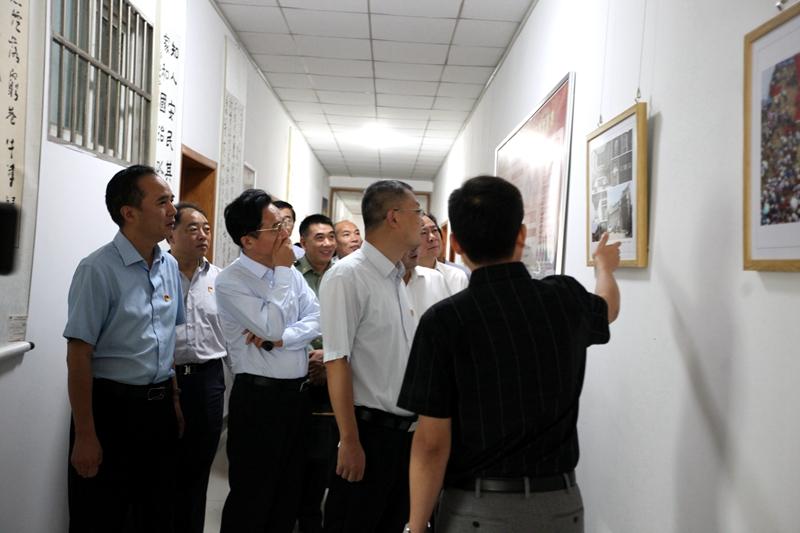 湛河区举办庆祝新中国成立70周年书画摄影展4.jpg