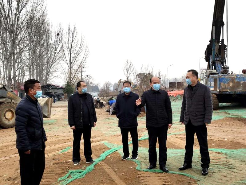 副区长金武军组织召开平桐路绿化提质复工复产工作会议2.jpg
